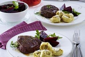 In Trüffelbutter geschwenkte Fleisch-Tortelloni