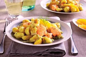Gebratene Gnocchi mit Orangen-Chicorée-Sauce und Lachs
