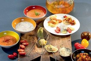 Pasta-Fondue mit Saucen- und Toppingvariationen
