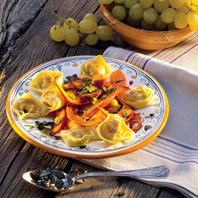 Fleisch-Tortelloni mit glasiertem Hokkaido-Kürbis