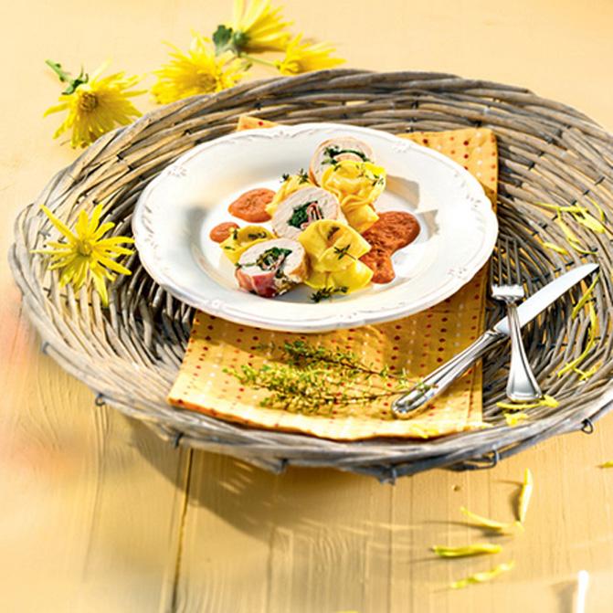 Gefüllte Hähnchen-Roulade mit Käse-Tortelloni Toscana